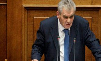 """""""Απασφάλισε"""" ο Παπαγγελόπουλος για τη μήνυση Σαμαρά"""