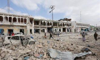 Απανωτά πλήγματα των ΗΠΑ με 40 ισλαμιστές νεκρούς στη Σομαλία