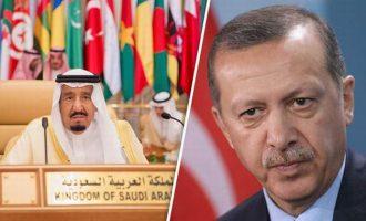 """Ο Ερντογάν μίλησε τηλεφωνικά και με τον βασιλιά Σαλμάν – """"Ανακατεύει"""" τους ηγέτες ως… σουλτάνος"""