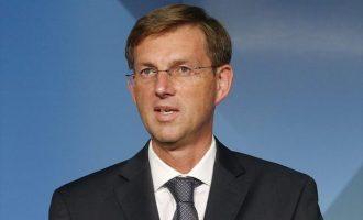 Σε βουλευτικές εκλογές τον Μάιο οδεύει η Σλοβενία μετά την παραίτηση Τσέραρ