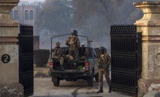 Ταλιμπάν εισέβαλαν ντυμένοι με μπούρκες σε πανεπιστήμιο της Πεσαβάρ – Τουλάχιστον πέντε τραυματίες