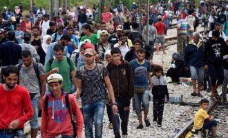 Γκέραλντ Κνάους: Εάν αποτύχει η προσφυγική συμφωνία με την Τουρκία η Ελλάδα θα έχει μεγάλο πρόβλημα