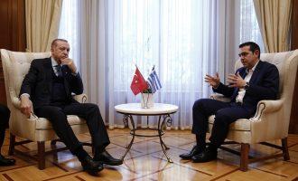 «Αποχωρήσεις» οι εθνοκαθάρσεις και οι γενοκτονίες των Ελλήνων της Τουρκίας για τον Ερντογάν