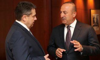 O Γκάμπριελ τηλεφώνησε στον Τσαβούσογλου για την τουρκική εισβολή στην Εφρίν
