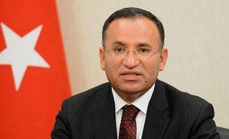 O Τούρκος αντιπρόεδρος απειλεί με «εκκαθάριση» την Εφρίν