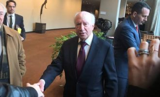 Ο Μάθιου Νίμιτς έδωσε σε Ελλάδα και Σκόπια από μια «δέσμη ιδεών»