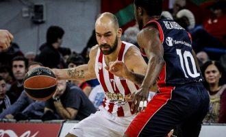 Διασύρθηκε ο Ολυμπιακός στη Βιτόρια, έχασε με 86-54 από την Μπασκόνια