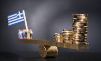 Spiegel: Η Ελλάδα ανακάμπτει για πρώτη φορά μετά την κρίση
