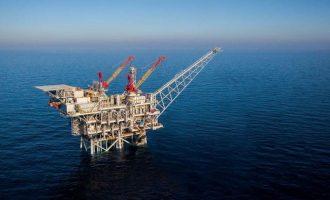 Αψηφά τους Τούρκους και συνεχίζει τις έρευνες στην κυπριακή ΑΟΖ το γεωτρύπανο της ΕΝΙ