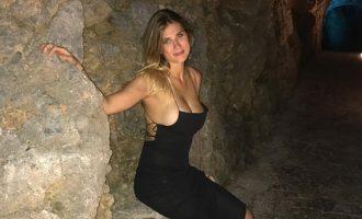 Αυτή είναι η «καυτή» ετεροθαλής αδελφή της Αθηνάς Ωνάση (φωτο)