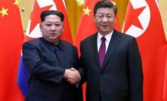 """Στην Κίνα ο Κιμ Γιονγκ Ουν – Είπε """"ναι"""" στην αποπυρηνικοποίηση"""