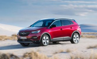 IntelliGrip: Βέλτιστη πρόσφυση σε όλες τις συνθήκες για το Opel Grandland X