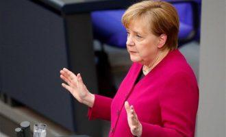 Η Μέρκελ λέει «όχι» σε στρατιωτική επίθεση κατά της Συρίας