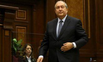 Ο Σαρκισιάν αναλαμβάνει Πρόεδρος της Αρμενίας στη… θέση Σαρκισιάν