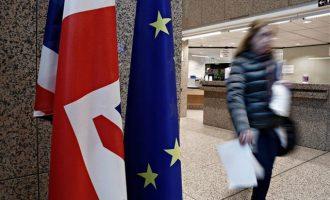 Η Ιρλανδία ζητεί εγγυήσεις πριν συμφωνήσει για τη μεταβατική περίοδο μετά το Brexit