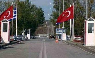 """""""Οι Τούρκοι τελωνειακοί δεν με αντιλήφθηκαν γιατί έβλεπαν τηλεόραση"""""""