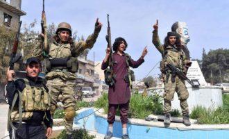 Τζιχαντιστές από το Ισλαμικό Κράτος φοράνε τουρκικές στολές και πανηγυρίζουν την κατάληψη της Εφρίν (φωτο)