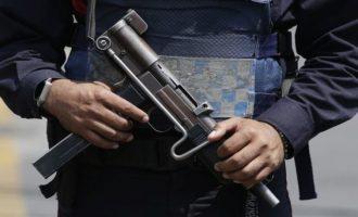 Βρήκαν πτώματα 15 ανδρών σε εγκαταλελειμμένο φορτηγάκι στο Μεξικό