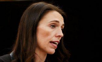 Πρωθυπουργός Ν. Ζηλανδίας: Θέλουμε να απελάσουμε Ρώσους κατασκόπους, αλλά δεν βρίσκουμε
