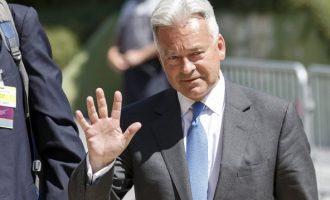 Bρετανός υφυπουργός: Άθλιο σκουλήκι ο Ασάνζ – Tι του απάντησε ο ιδρυτής του WikiLeaks