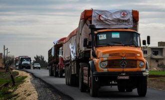 Ο Ερυθρός Σταυρός εισήλθε στην κουρδική Εφρίν μεταφέροντας τρόφιμα και φάρμακα