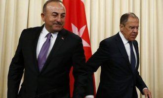 """Λαβρόφ και Τσαβούσογλου ανακοίνωσαν ότι """"επιταχύνεται"""" η παράδοση των S-400 στην Τουρκία"""