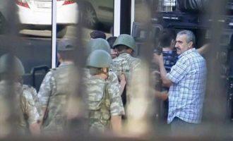 """Τούρκοι εισαγγελείς διέταξαν τη σύλληψη 70 """"γκιουλενιστών"""" αξιωματικών του στρατού"""