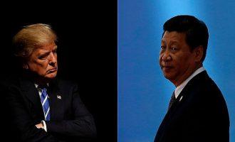 Ο Τραμπ επιβάλλει δασμούς 60 δισ. δολαρίων σε κινεζικά προϊόντα – Υπέγραψε το διάταγμα