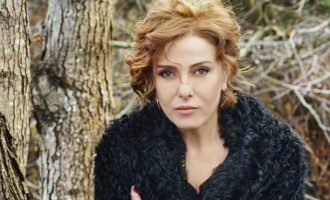 Δέκα μήνες φυλακή στην Τουρκάλα τραγουδίστρια Ζουχάλ Ολτζάι για προσβολή του Ερντογάν