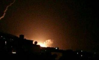 Αναχαιτίστηκαν πάνω από 10 πύραυλοι που στόχευαν στρατιωτικό αεροδρόμιο στη Συρία