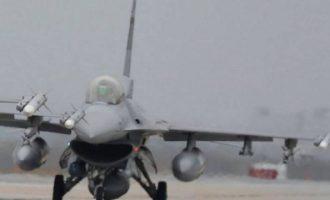 """Αμερικανικό F-16 κατέπεσε κοντά στο Λας Βέγκας – """"Τρίτωσε"""" σε δύο μέρες (βίντεο)"""