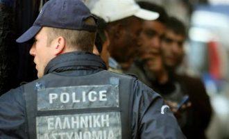 Πάνω από 1.100 αλλοδαποί απελάθηκαν από την Ελλάδα τον Μάρτιο