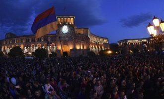 Η Αρμενία τιμά τα θύματα της Γενοκτονίας, μία ημέρα μετά την παραίτηση Σαρκισιάν