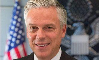 Αμερικανός Πρέσβης στη Μόσχα: ΗΠΑ και Ρωσία πρέπει να βρουν τρόπους συνεργασίας