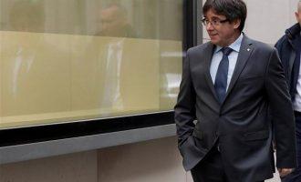 Γερμανός εισαγγελέας προτείνει έκδοση Πουτζδεμόν στην Ισπανία