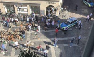 Τρόμος στη Γερμανία: Τέσσερις νεκροί και 20 τραυματίες από πτώση βαν σε καφετέρια