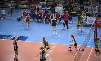 Έγραψαν ιστορία: Tα κορίτσια του Ολυμπιακού πήραν το Κύπελλο Ευρώπης μέσα στην Τουρκία