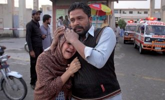 Το Ισλαμικό Κράτος σκοτώνει χριστιανούς στο Πακιστάν – Τους επιτίθεται στις εκκλησίες