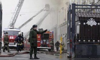 Συναγερμός στη Μόσχα: Φωτιά σε εμπορικό κέντρο – Τουλάχιστον ένας νεκρός
