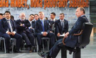 Στόχος των ΗΠΑ οι Ρώσοι ολιγάρχες και όχι ένας νέος Ψυχρός Πόλεμος