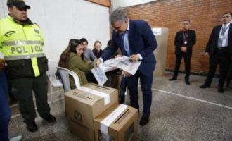 Προβάδισμα του δεξιού υποψηφίου στην Κολομβία λίγο πριν τις εκλογές – Τι έδειξε δημοσκόπηση