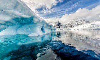 """Ανακάλυψαν τρία γιγάντια φαράγγια """"θαμμένα"""" κάτω από τους πάγους της Ανταρκτικής"""