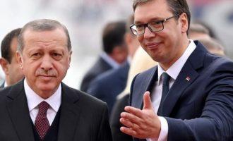Ο πρόεδρος της Σερβίας Βούτσιτς γλείφει τον Ερντογάν σαν Βαλκάνιος ραγιάς: «Είναι υπερδύναμη»