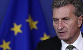 Ο Ευρωπαίος Επίτροπος Έτινγκερ απείλησε την Ιταλία με κυρώσεις
