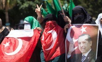 Η Τουρκία στήνει προβοκάτσιες για να χαλάσει τη συμμαχία μας με το Ισραήλ και εμείς πέφτουμε στην παγίδα της;