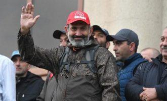 Θριάμβευσε ο πρωθυπουργός Πασινιάν στις πρόωρες εκλογές της Αρμενίας