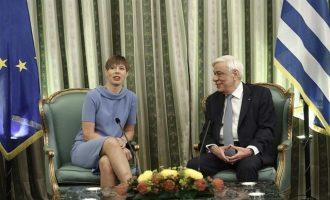 """""""Βολές"""" Παυλόπουλου προς Σκόπια και Τουρκία στη συνάντηση με την Εσθονή πρόεδρο"""