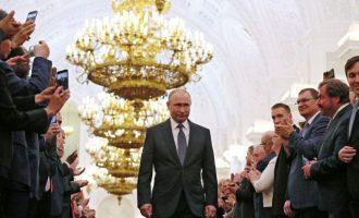 Το Κρεμλίνο διαψεύδει ότι αναζητείται τρόπος ώστε ο Πούτιν να κυβερνά για πάντα