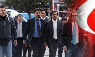 Οι τουρκικές μυστικές υπηρεσίες στέλνουν δολοφόνους στην Ελλάδα για τους 8 Τούρκους αξιωματικούς