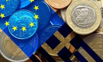 Bloomberg: Τα εφτά μέτρα που εξετάζονται για το ελληνικό χρέος